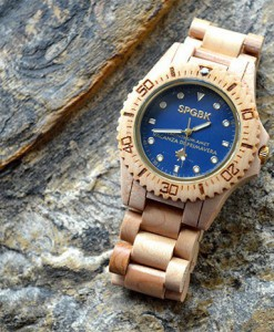 blue-magic-houten-horloge-2_1