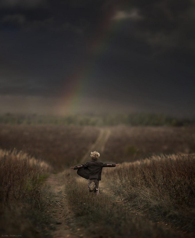 cool-animal-children-photography-Elena-Shumilova-running