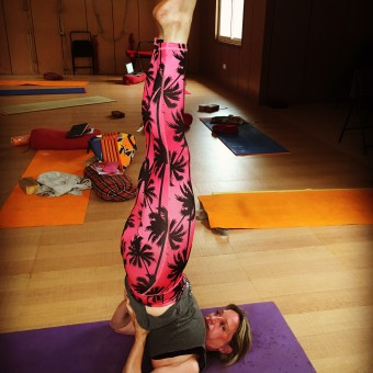 Mistakes in alignment shoulderstand