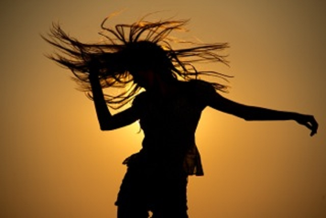 ecstatic-dance- Viva La vida Yoga Teacher Trainings Course in Spain 200hours